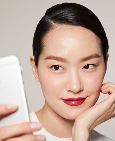 5 Must-Know Makeup Tips To Take An Amazing Selfie