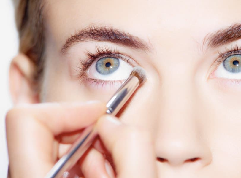 Communication on this topic: 5 Ways to Wear Silver Eye Makeup, 5-ways-to-wear-silver-eye-makeup/
